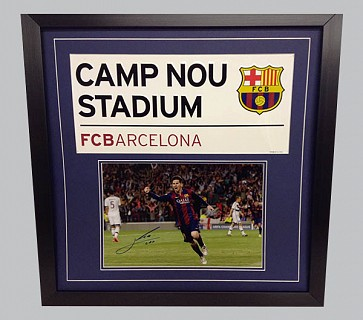 Lionel Messi Signed Barcelona Colour Photo